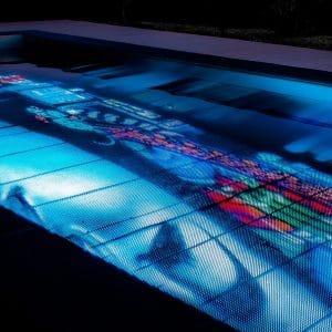 21h40 pooloop extraordinaire bain de lumière
